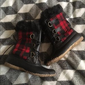 Red and black plaid snow/rain boots